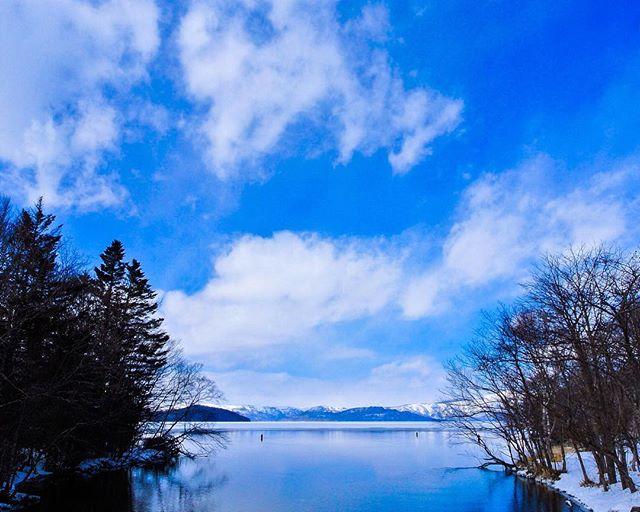 北海道川上郡弟子屈町 屈斜路湖 teshikaga-cho,hokkaido,japan 釧路川の源、ここから始まる